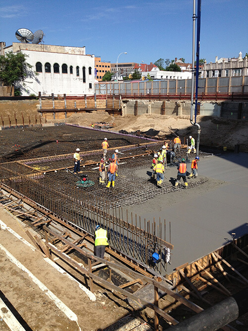 Laying Concrete - Flushing, NY - Best Concrete Mix Corp